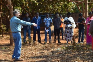 Discussing the drawbacks of monocropping and burning